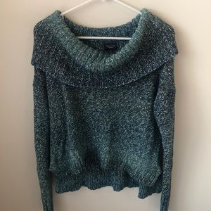 AE Green Cowl Neck Sweater Sz Medium